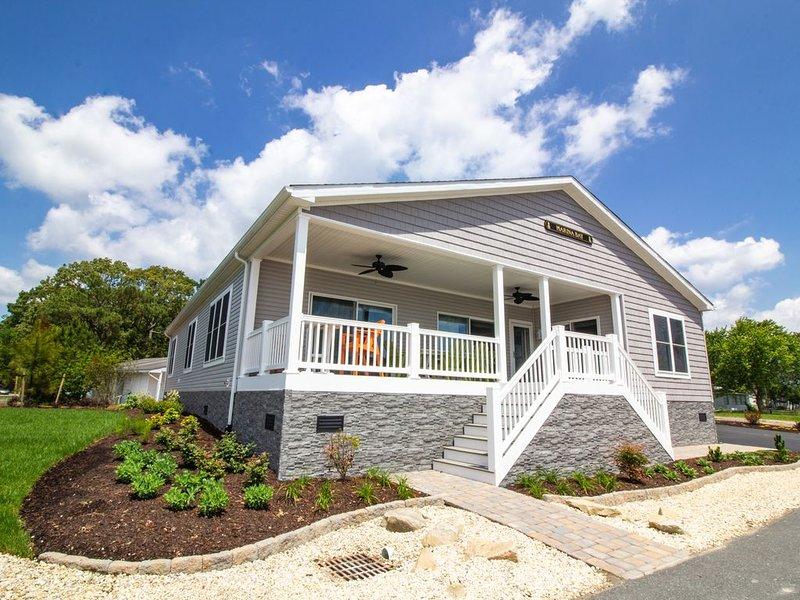 Spectacular home - waterfront, private beach, pools, family fun, pet friendly, vacation rental in Millsboro