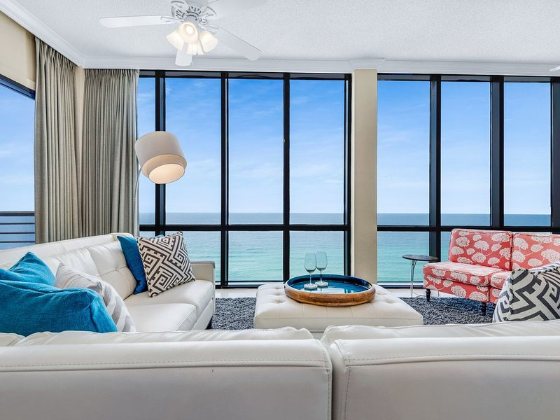 NEW Upscale Luxury!  Renovated Beachfront PENTHOUSE with Amazing Views., vacation rental in Miramar Beach