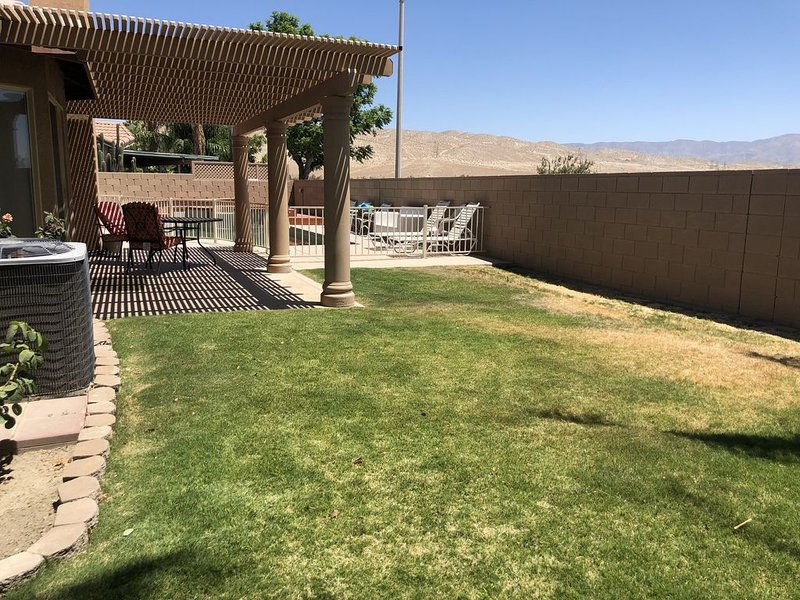 New, Beauty Modern Vacation Home , Mt & City view  near Palm Springs, holiday rental in Cathedral City