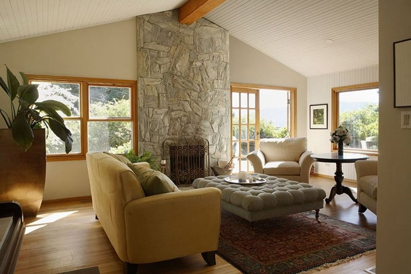 ** GREAT RATES NO TAX/CLEAN FEE OCEAN/MTN views & close Van/Whistler, holiday rental in Bowen Island