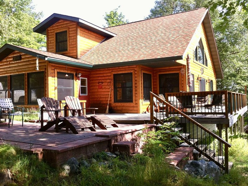 Get Away From It All At This Private One Family Log Cabin, alquiler vacacional en Champion