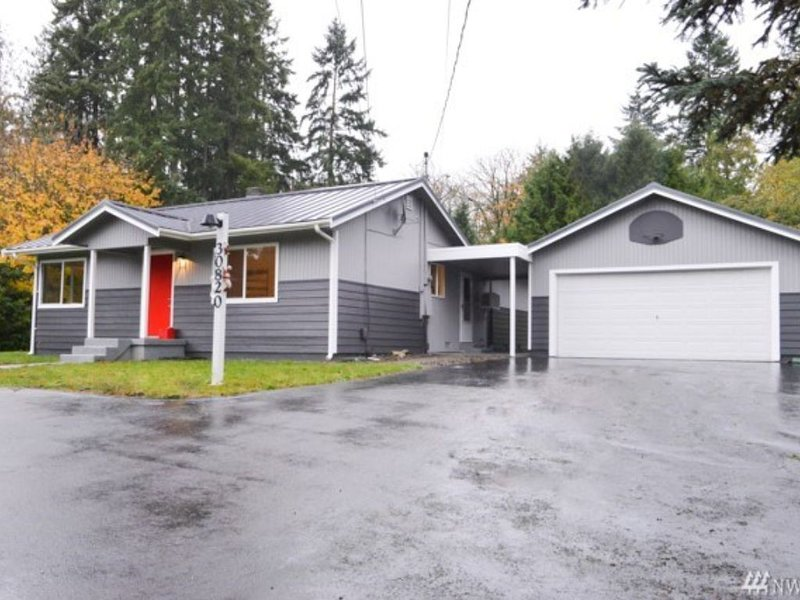 Modern Home - Great for Families & Groups! by JET, alquiler vacacional en Federal Way