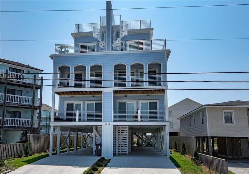 Carolina Beach North: 3 BR / 3 BA duplex - 1 side in Carolina Beach, Sleeps 10, holiday rental in Myrtle Grove