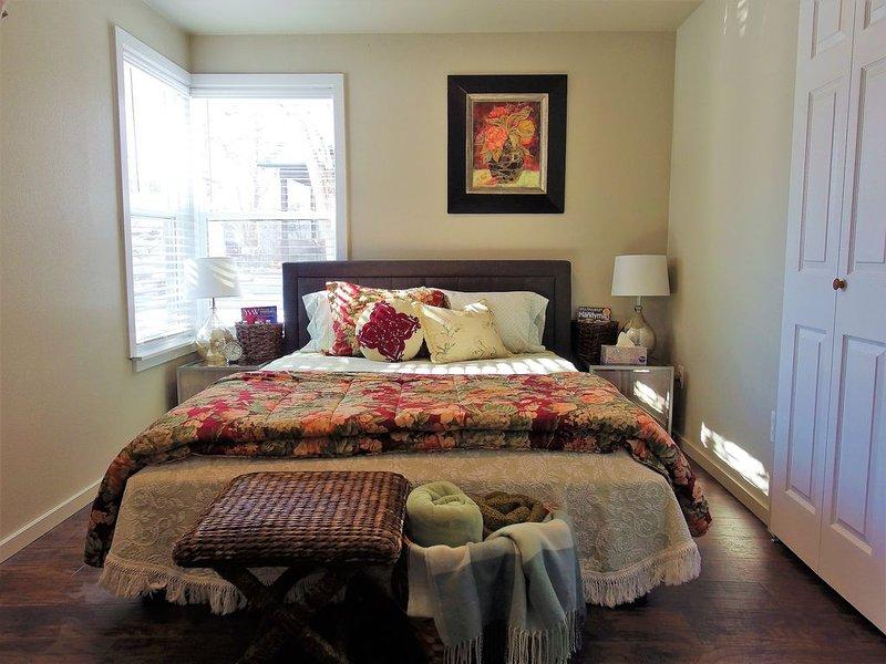 Darling Retreat, Fireplace, WD, AC, Workspace, Near Pubs, Hospitals, Downtown, aluguéis de temporada em Billings
