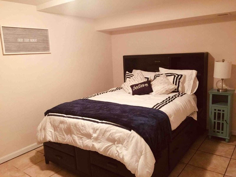 Clean, Comfortable and Cozy..., holiday rental in Alton