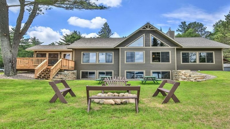 Whitetail Ridge - Spacious Lakefront Home  with Breathtaking Views  of Lost Lake, holiday rental in Star Lake