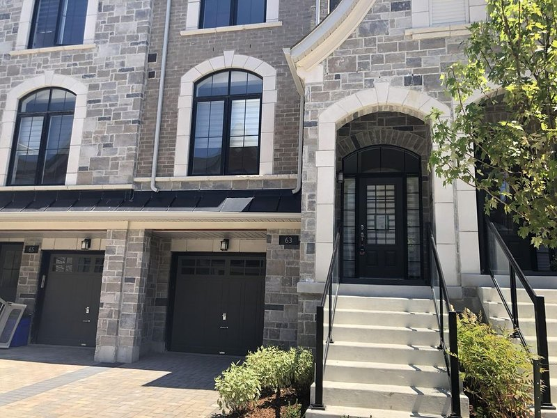 Luxury Townhouse living, vacation rental in Aurora