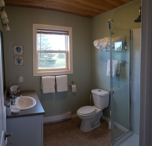 Red Sands Cottage in Bouquet Cove PEI – semesterbostad i Bedeque