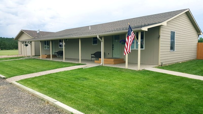 Black Hills of South Dakota Vacation Rental Home, holiday rental in Rockerville