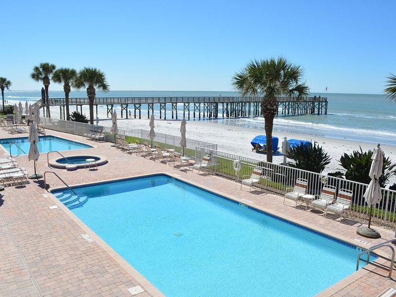 La Contessa 107**Rare XL Balcony**Newly Decorated**Ocean Front**3Bed/3Bath, alquiler de vacaciones en Redington Beach