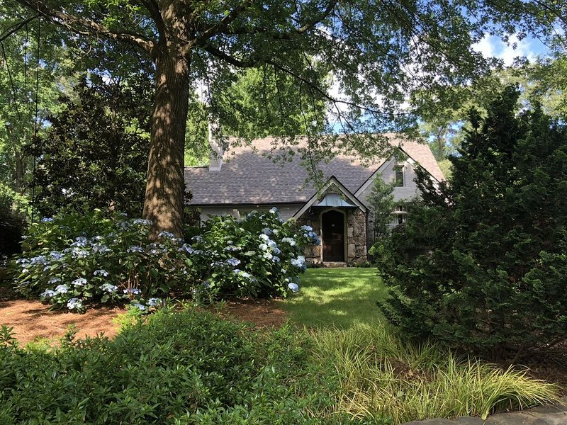 Cottage-like 4/4 in the city of Atlanta, vacation rental in Druid Hills