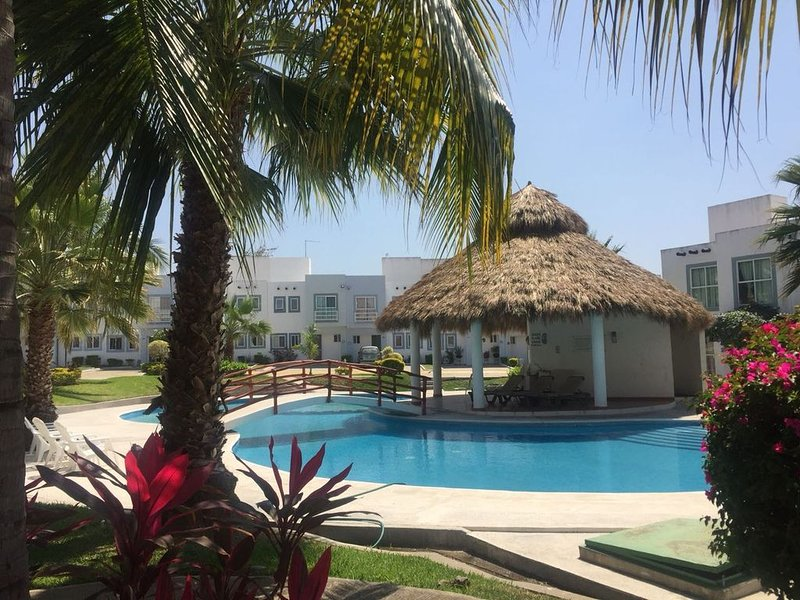 Near Puerto Vallarta, location de vacances à Mezcales
