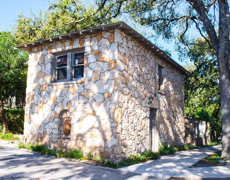 Tiny House San Antonio, holiday rental in Castle Hills