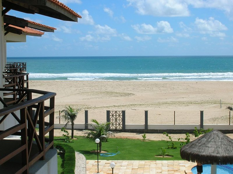 Beautiful New 1 Bedroom Beachfront Condo On White Sand Beach, vacation rental in Paracuru