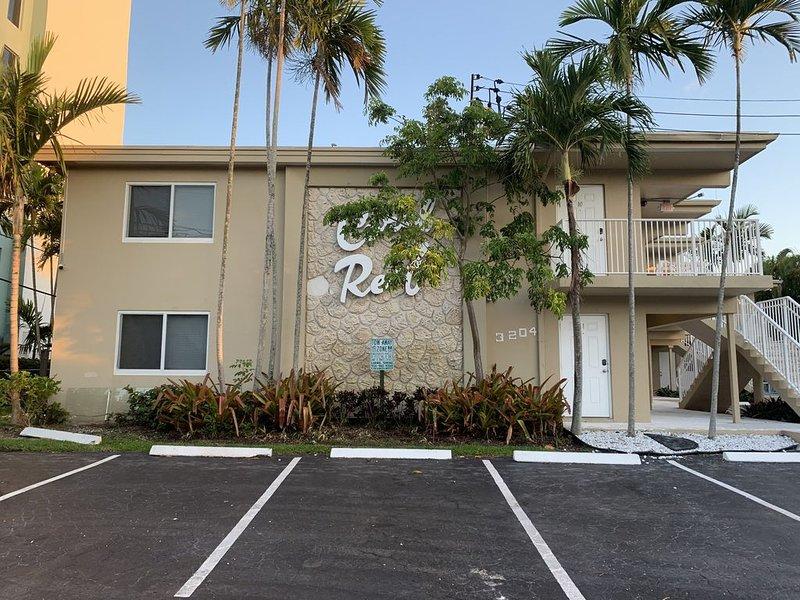 Coral Reef Apartments #4, aluguéis de temporada em Pompano Beach