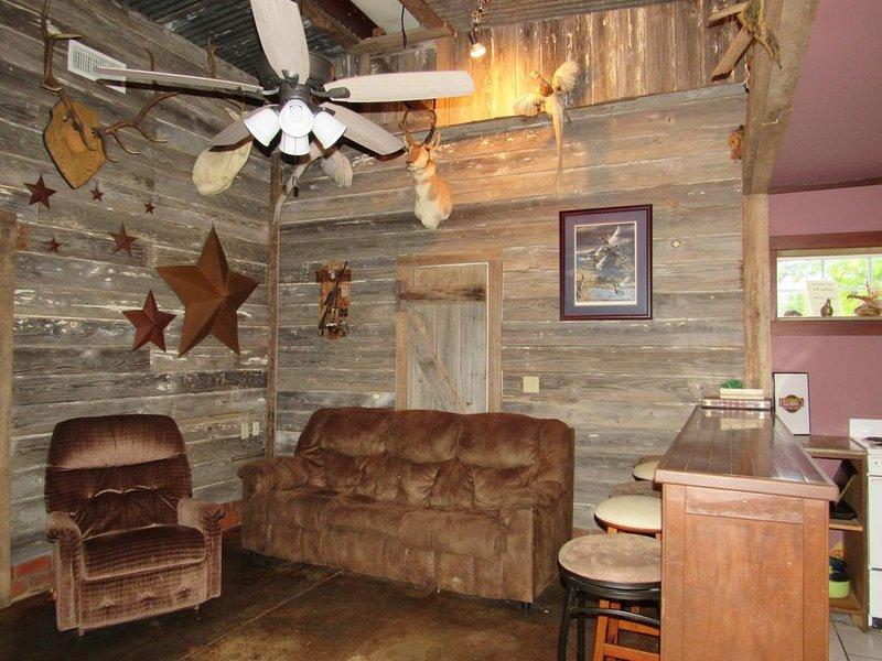 Lake Front Cabin!!!!, aluguéis de temporada em Prue
