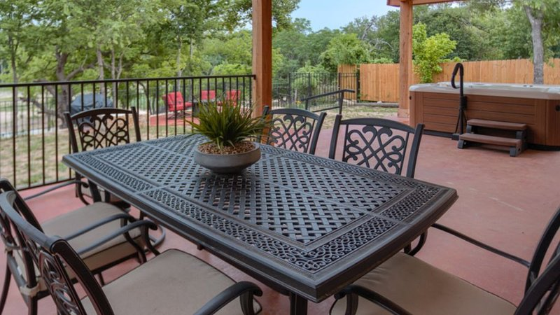 Rio Bella - Guadalupe River Trail & Hot Tub, holiday rental in Ingram