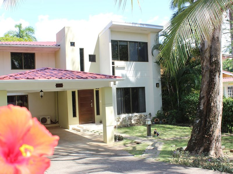 Cozy House at Garden City Clayton, holiday rental in Gamboa