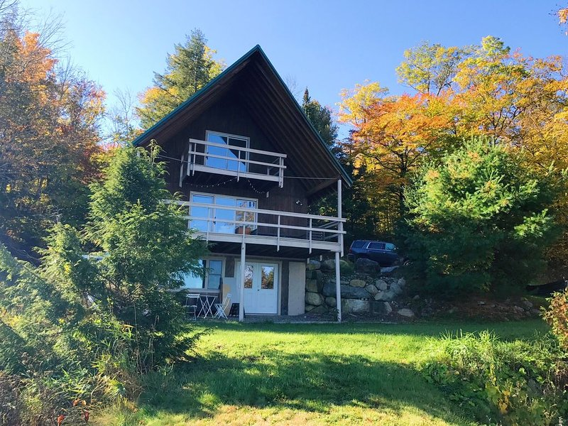 A-Frame North - Lakeside Retreat on Porter Lake, holiday rental in Kingfield