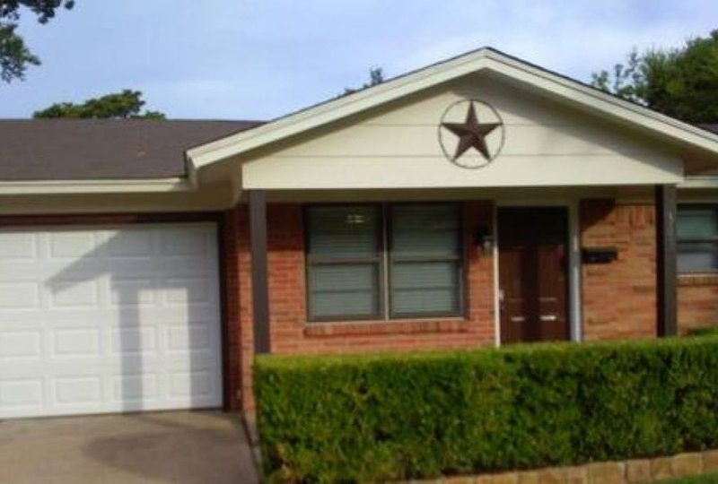Howdy yall Kick off your boots in Southern comfort in our Burleson Texan Home, vacation rental in Godley