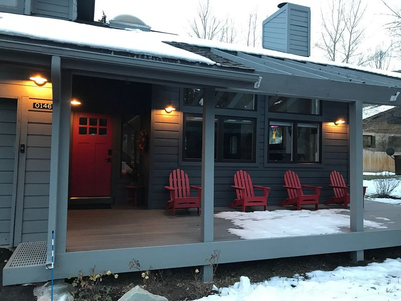 Beautifully Remodeled Duplex minutes from Vail and Beaver Creek, vacation rental in Avon