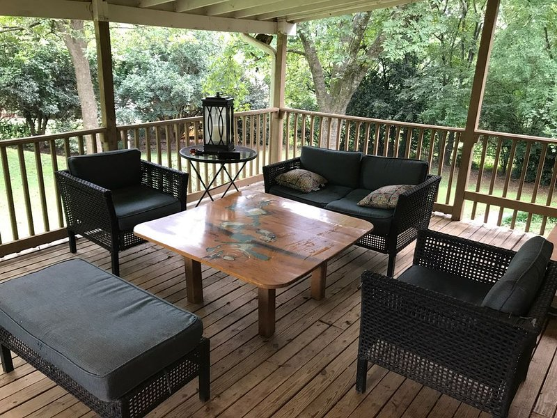 Cozy single family home near downtown and Five-Points, alquiler vacacional en Huntsville