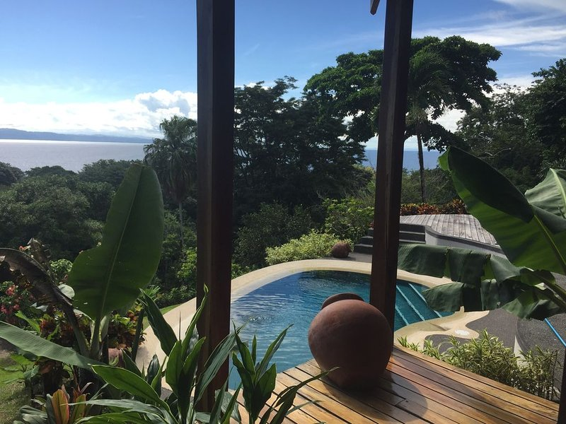 On Top Of The World - Breezes, Waves, Rainforest - Paradise!, holiday rental in Pavones