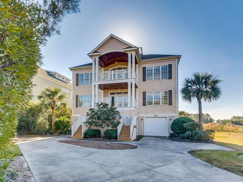 Beautiful southern home in DeBordieu - Great for families, golf cart included, holiday rental in Georgetown