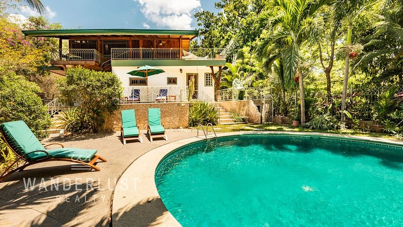 The Treehouse - private, Guanacaste charm, alquiler de vacaciones en Ostional