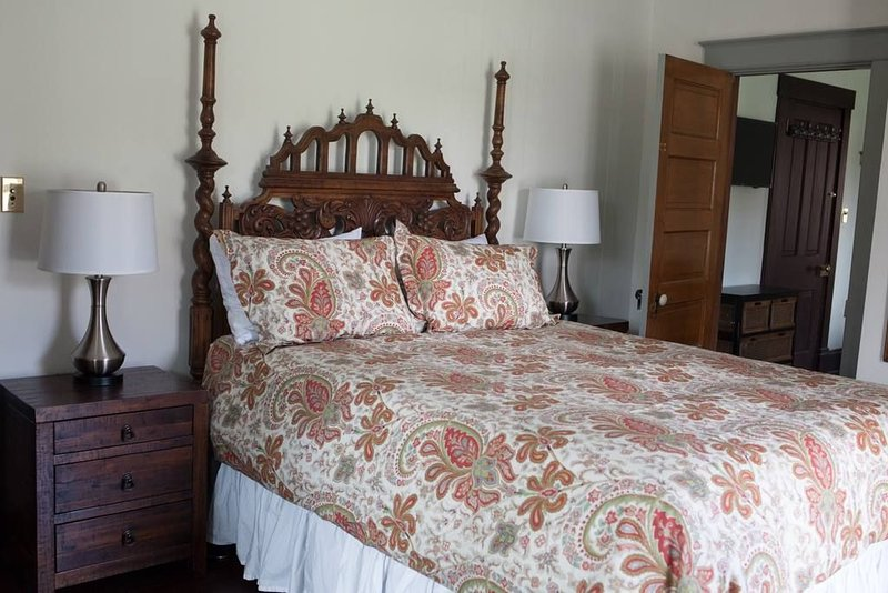 Historic B&B. Emma's Room, aluguéis de temporada em Taft