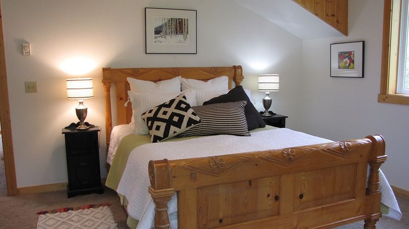 Sleep Under the Stars on our Swinging Bed!, vacation rental in Dryden