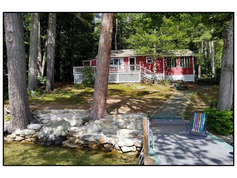 WINNIPESAUKEE WATERFRONT Roberts Cove, Alton  (only AUG 29 week available), alquiler de vacaciones en New Durham