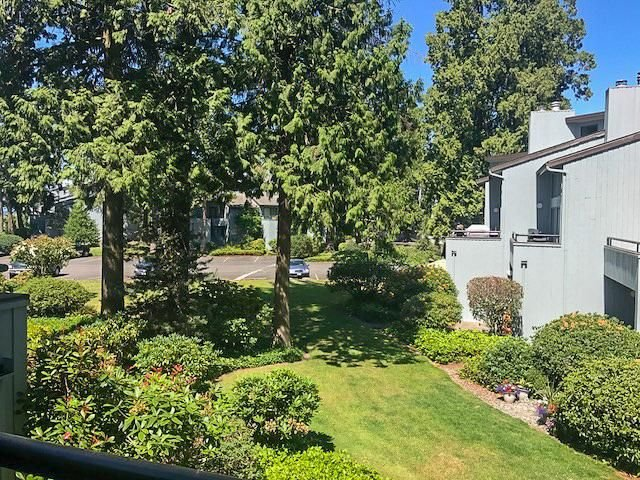 Upper level unit. peek a boo view to the bay, complimentary WiFi, location de vacances à Birch Bay
