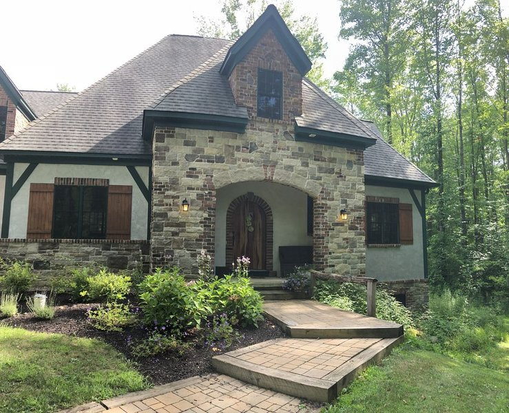 Castle in the Forest, holiday rental in Aurora