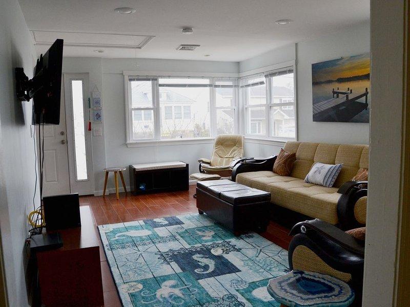 Beautiful Waterview 3 Bedroom /2 bath - 1 block from beach, 4+ car parking, alquiler de vacaciones en Point Pleasant Beach