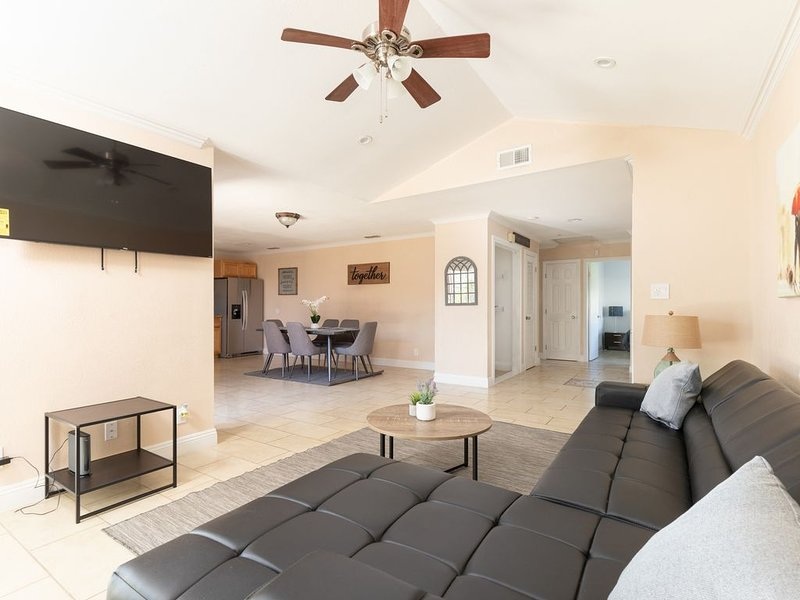 ❤️Your Home Away From Home!❤️, vacation rental in Fair Oaks