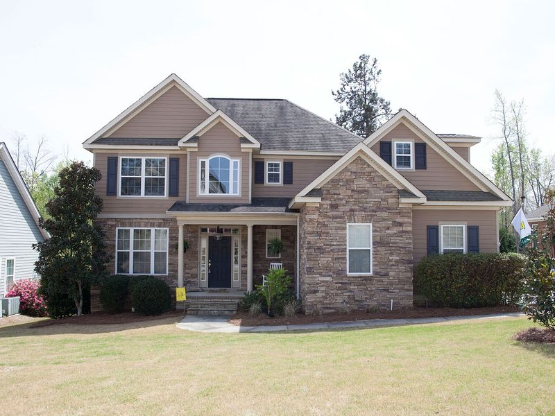 Beautiful Masters Rental Quiet Neighborhood and Great Style, holiday rental in Evans