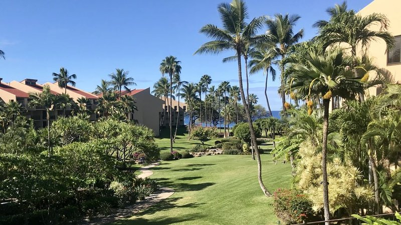 ⭐️ Large lanai with best views of sunsets, pool & grounds   ⭐️, vacation rental in Haleakala National Park