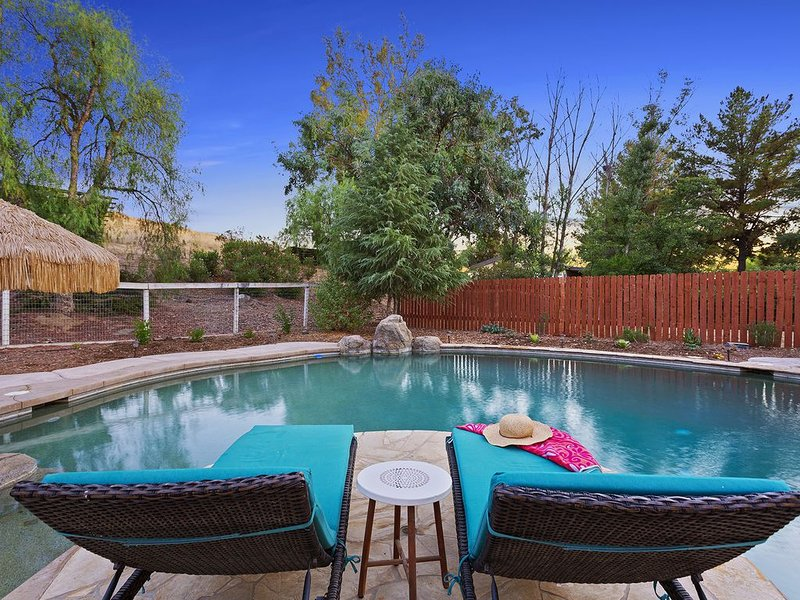 The Modern Farmhouse * Rising Son Ranch near Temecula w/ Pool & Spa, holiday rental in Hemet