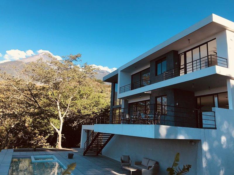 Modern Paradise in Golf Resort, holiday rental in Escuintla Department