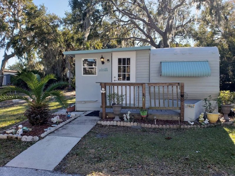 Pet friendly cottage 30 minutes from the beach!, vacation rental in Palmetto