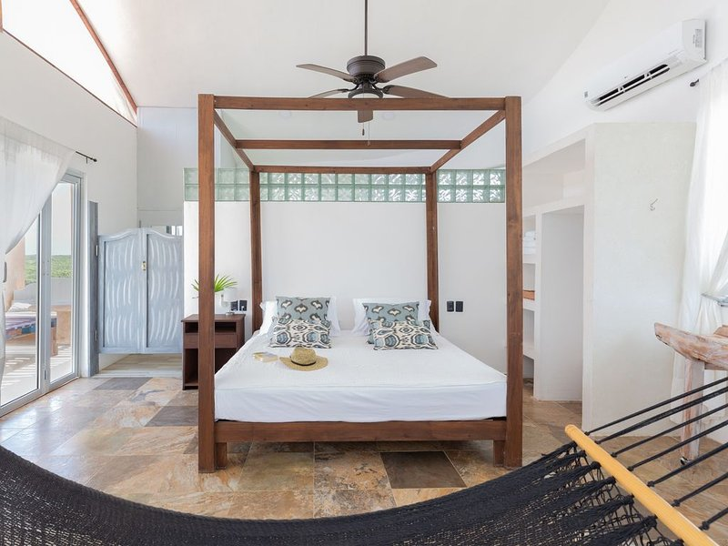 Incredible Villa in the Hotel Area of Tulum, vacation rental in Chunyaxche