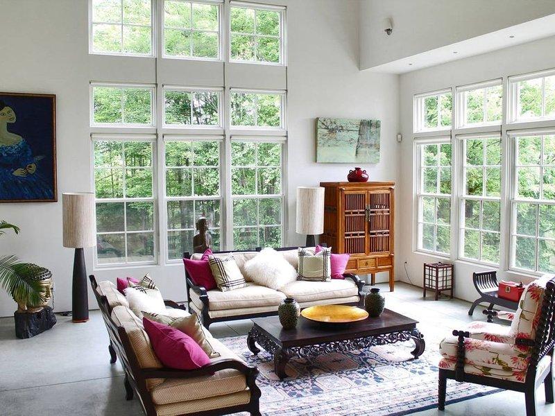 N.E. Exterior, Manhattan Interior, holiday rental in Fairfax