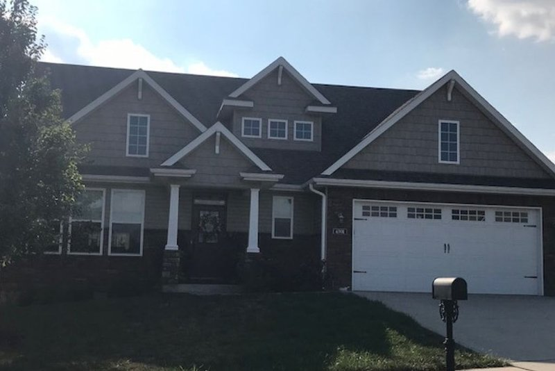 3 Story Home in Family Neighborhood, holiday rental in Columbia