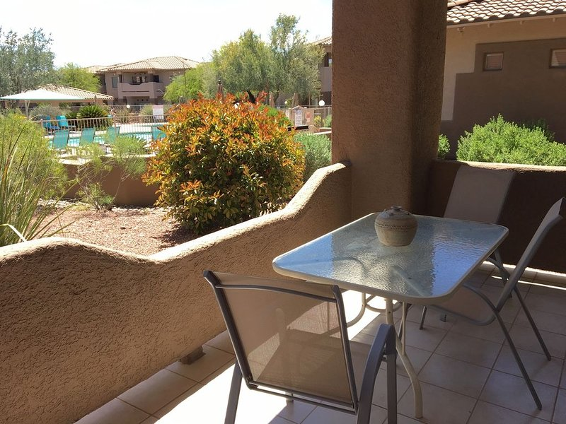 Steps from Heated Pool & Spa-2 Master Suites - an Oro Valley paradise!, vacation rental in Oro Valley