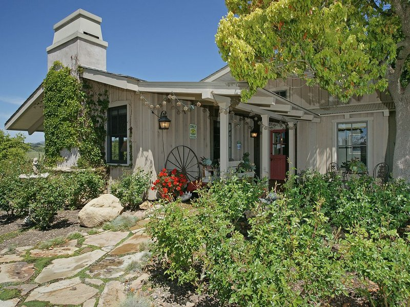 Los Olivos Dream Farmhouse, holiday rental in Los Olivos