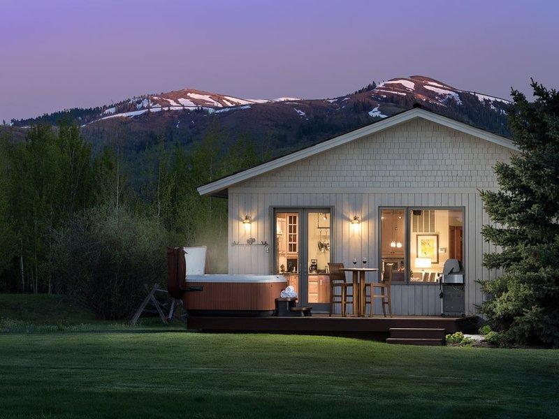 Cozy Upscale Guesthouse/   Discounted extended stays., location de vacances à Jackson