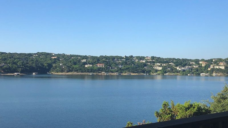 Your Lake Travis Escape!, alquiler de vacaciones en Point Venture
