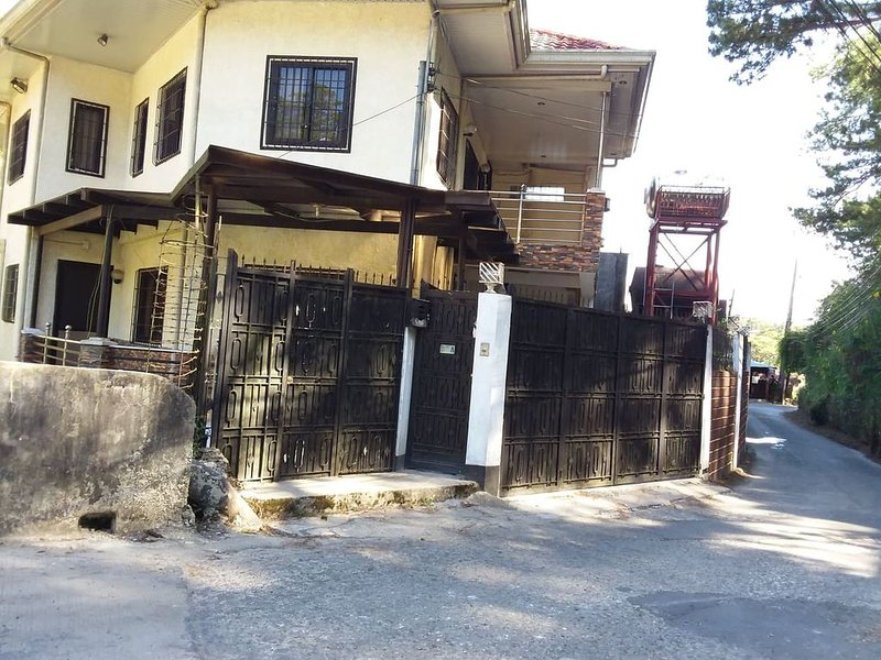 Baguio City Vacation House-VRBO, holiday rental in Rosario