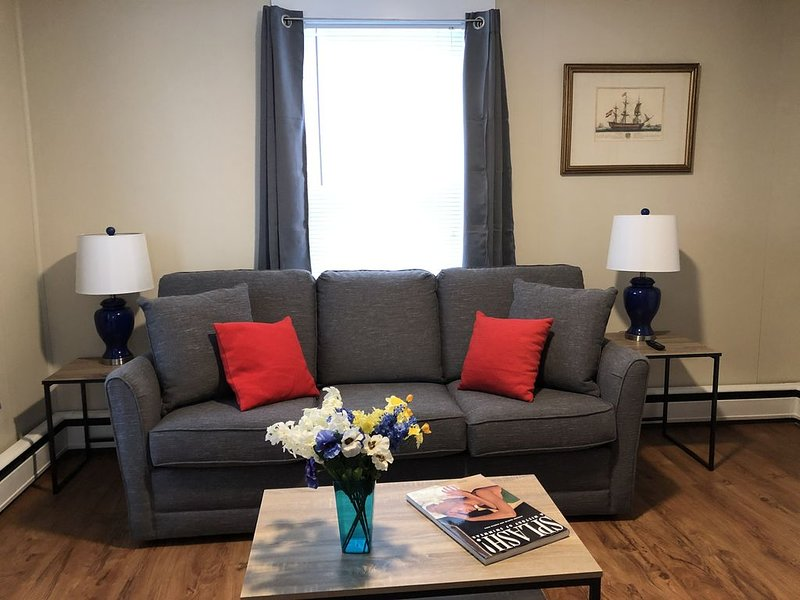 Spacious White Mountain renovated 2 bedroom, holiday rental in Jefferson